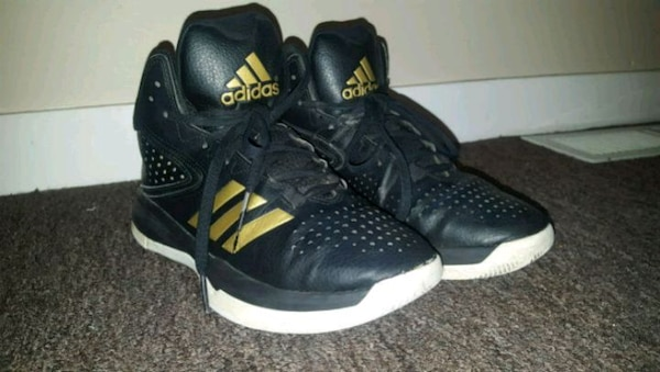 35f820eae197a1 Used Men s Adidas Basketball Cross EM 4 Shoes for sale in Windsor ...