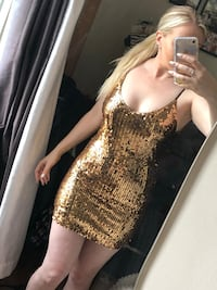 Gold sequin dress // size small Toronto, M4S 2N6