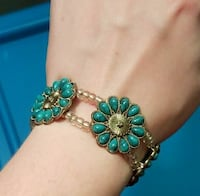 Flower Bracelet North Richland Hills, 76182