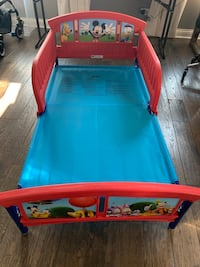 Red and blue plastic bed frame Campton Hills, 60175