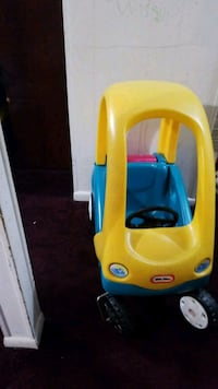yellow and blue Little Tikes cozy coupe Silver Spring, 20902