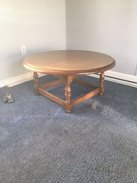 round brown wooden coffee table Wilmington, 19810