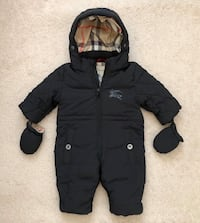 Burberry baby snowsuit size 9 months Mississauga, L5M 0H2
