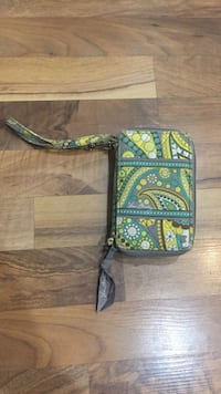 Women's yellow, green, and gray paisley print wristlet Lancaster township, 17603
