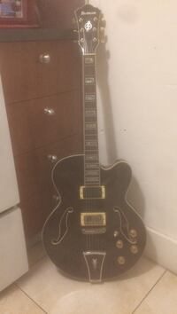 Ibanez Artcore series comes with Benedetto pickup. In good condition but needs a fret job/ set up. Miami, 33130