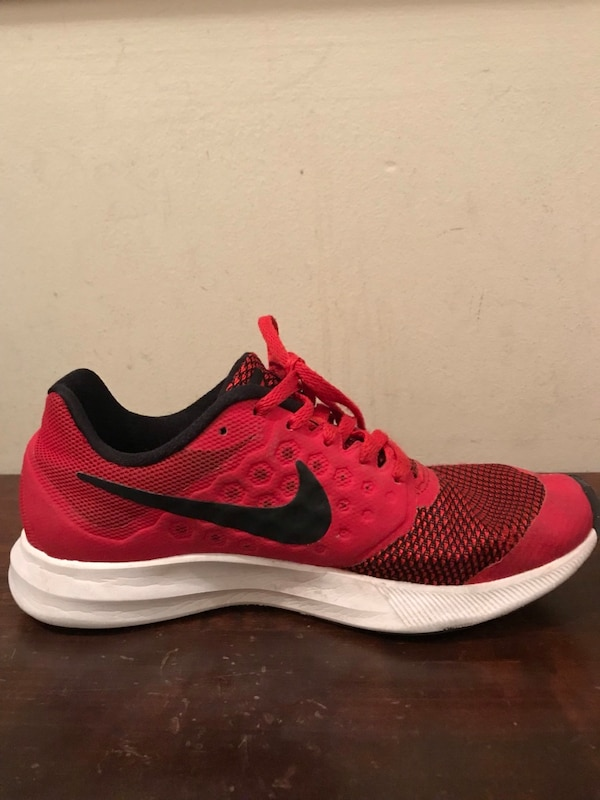 Nike Running Shoes Kids 4Y a020978c-5d71-4f83-a286-d500bc26d595