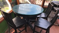 wood table with glass top and 4 chairs New York, 11234