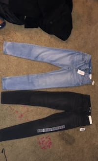 Old navy size 4 rockstar 24/7 sculpt jeans. 2 pairs Anchorage, 99503
