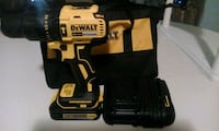 NEW DEWALT 20V HAMMER DRILL SET. Saint Petersburg