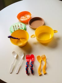 BABY FEEDING BOWLS AND NO SPILL CUP SPOONS ARE NEW NEVER USED