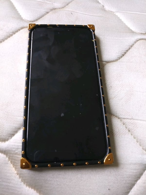IPhone 10 252d57fe-e280-40f5-acbe-1f3641bea705
