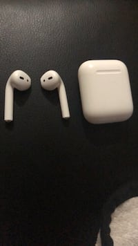 Apple Airpods Toronto, M9A 1T8
