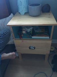 Nightstand/ end table Milton, L9T 3V2