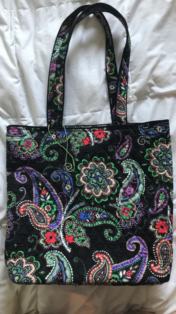Used VERA BRADLEY TOTE - Brand New!! for sale in Omaha - letgo 5520c76ff6836