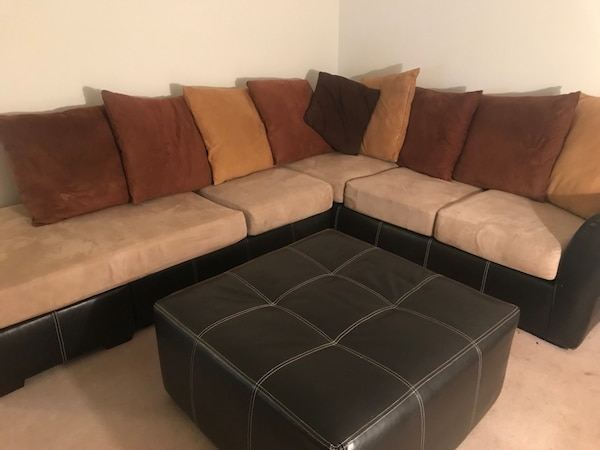 Sectional Couch With Ottoman And Round Love Seat Free 2 Cavnas Prints