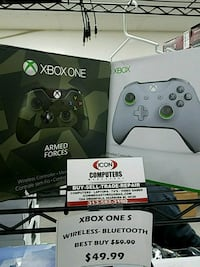 Xbox One controller with box Dearborn, 48126