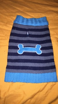 blue and black knit cap Chester, 19013