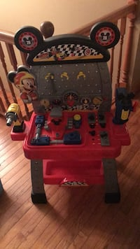 Mickey and the roadster racers kids work bench Smithfield, 18301