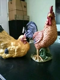 Rooster and hen decorations Weslaco, 78596