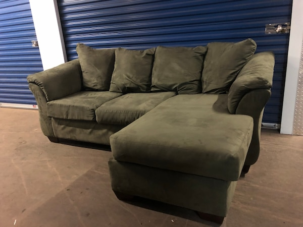 reputable site a3075 b2946 Forrest Green Interchangeable Microfiber Sectional Couch (Can Deliver)