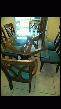 Dining table Cape Coral, 33993