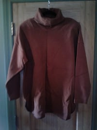 """Size """"M"""" N2AS CORP Brand """"Brown"""" TURTLE NECK TOP * IF AD'S UP, IT'S STILL AVAILABLE Hamilton"""