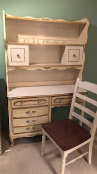 "Cream child desk and hutch 43""w x 19""d x 68"" t Sterling Heights, 48310"