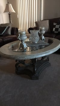 Coffee table + 2 end tables Mississauga, L5V 3B8