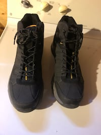 Black leather hiking boots size 13