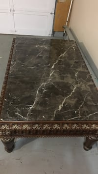 10/10 marble table Surrey, V3R 6G7