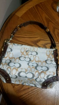 like new cloth and leather purse Youngstown, 44515