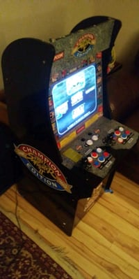 4 foot tall street fighter 2 arcade machine Edmonton, T6K 3N4