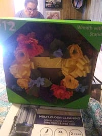 Wreath with stand