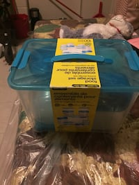 Plastic container set never used