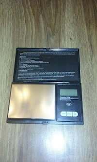 Digital Scale 1000 Gr. 2.2 Lbs  Batteries Included