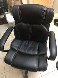 black leather office rolling armchair Potomac, 20854