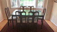 Dining table with 6 chairs. Silver Spring, 20906