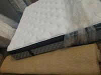 Showroom king mattress 360$ delivery 50 Edmonton, T5A 4H3