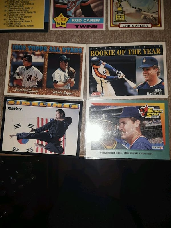 Baseball cards mix years and NHL cards (33 cards) abf8c0a3-6adc-41e6-8829-ad380c8f81cc