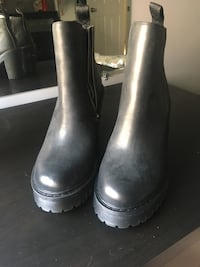 pair of black leather boots Ottawa, K2H 7A8