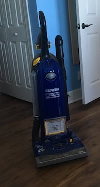 blue Bissell upright vacuum cleaner Hutchinson Island, 34949