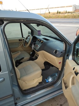 2010 Ford Connect 84be5121-e409-4fc7-8dcd-578bb75ca94f