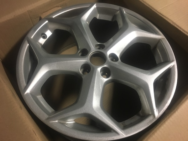Ford Focus Wheels >> Set Of 18 Ford Focus Wheels Very Nice