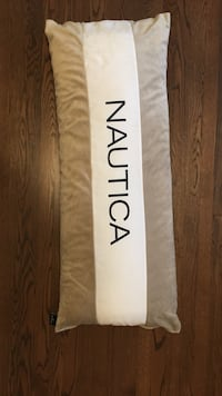 Nautica decorative pillow Mont-Royal, H3R 1G3