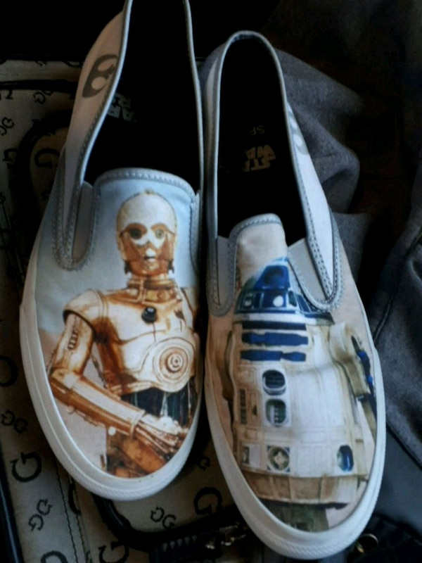 6604c5fab07a Brukt SPERRY STAR WARS SHOES til salgs i Vancouver - letgo