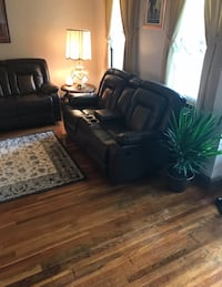 black leather sofa set with coffee table Hyattsville, 20784