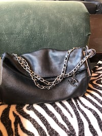women's black leather sling bag Long Beach, 90806