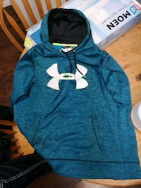 Men's large under armor hoodie Edmonton, T6B 0G6