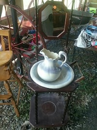 Wash stand with bowl and picture great shape. Asheboro, 27205