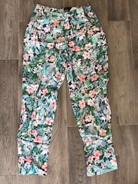 Zara Floral Trousers - Size M Laval, H7T